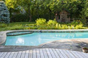 Dom z basenem – co warto wiedzieć?