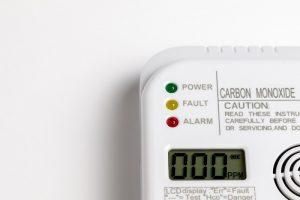 Czy warto zainstalować czujnik tlenku węgla w domu?