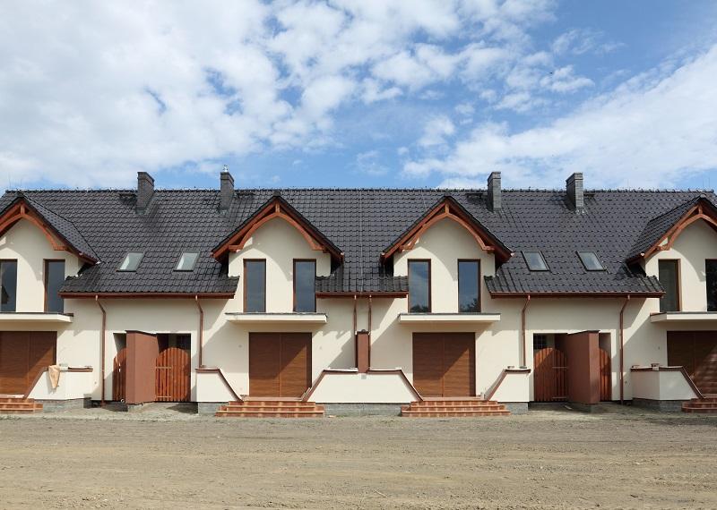 Rynek nieruchomości po pandemii – rośnie popularność domów szeregowych